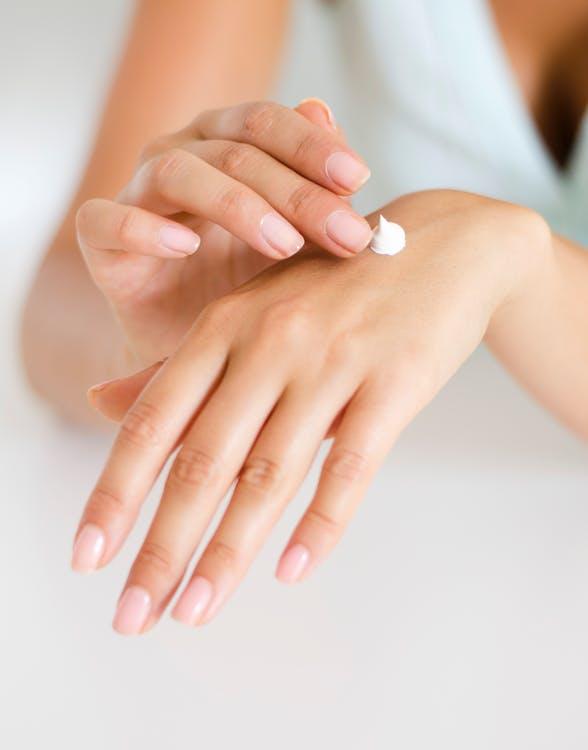 6 soins des ongles à ne pas manquer