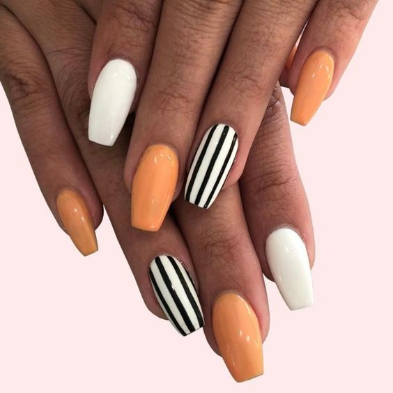 nail art halloween chic