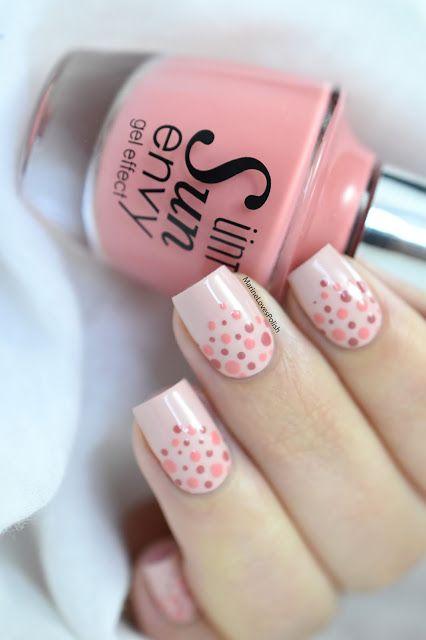 nail art rose pois