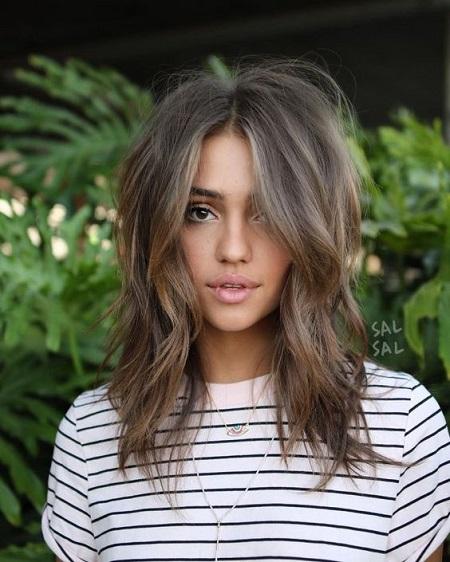 coupe cheveux mi-longs